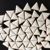 Ceramic Triangle - White - 50g